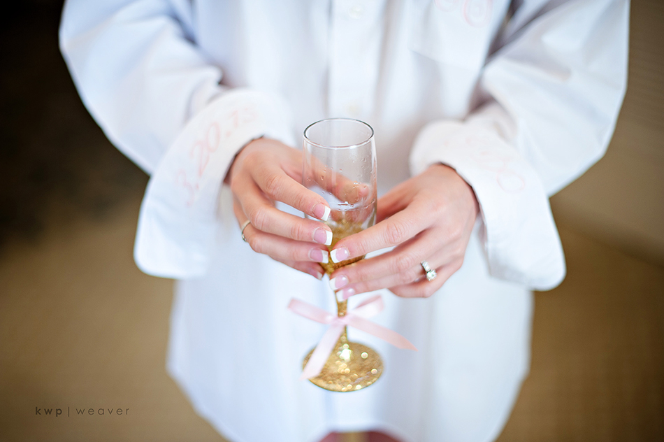 gold glitter champagne glass