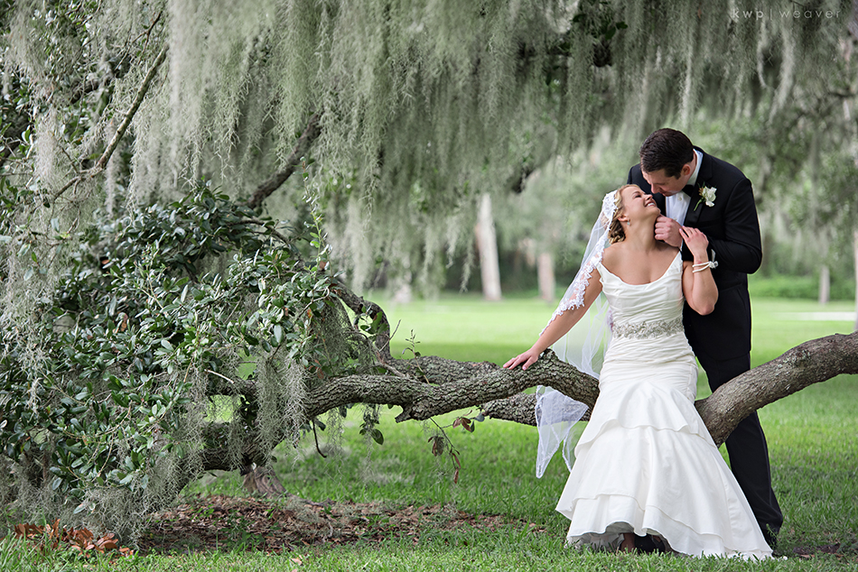 florida spanish moss bride and groom