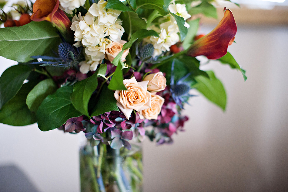 maroon navy wedding floral