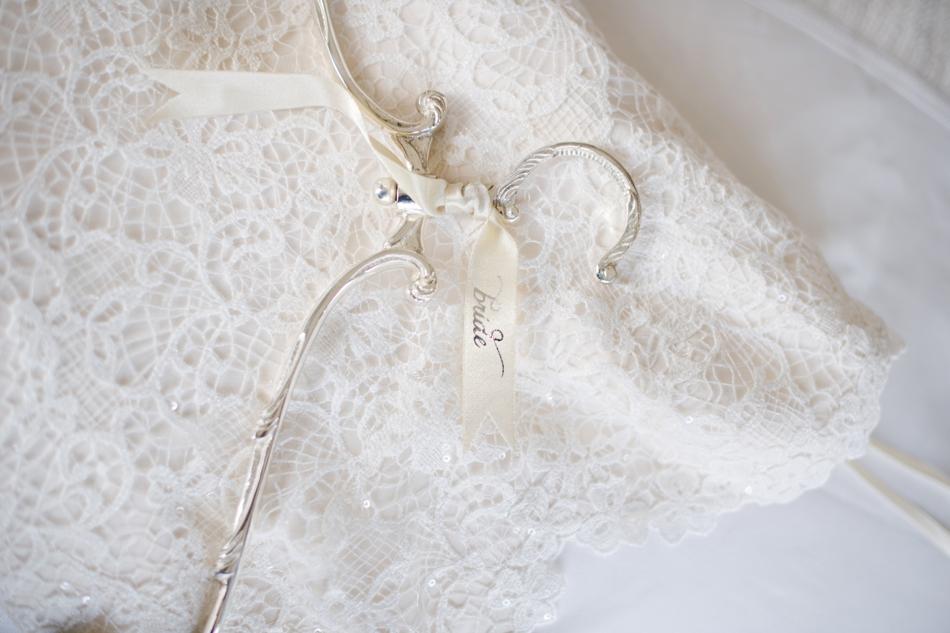 Bride hanger elegant