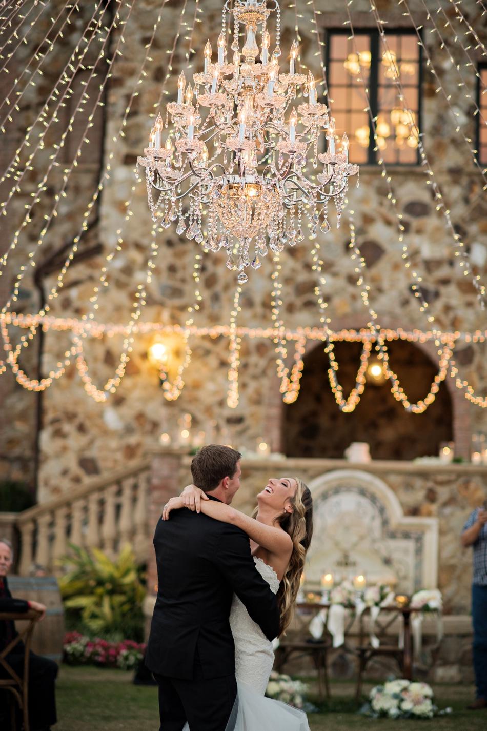 reception chandelier first dance