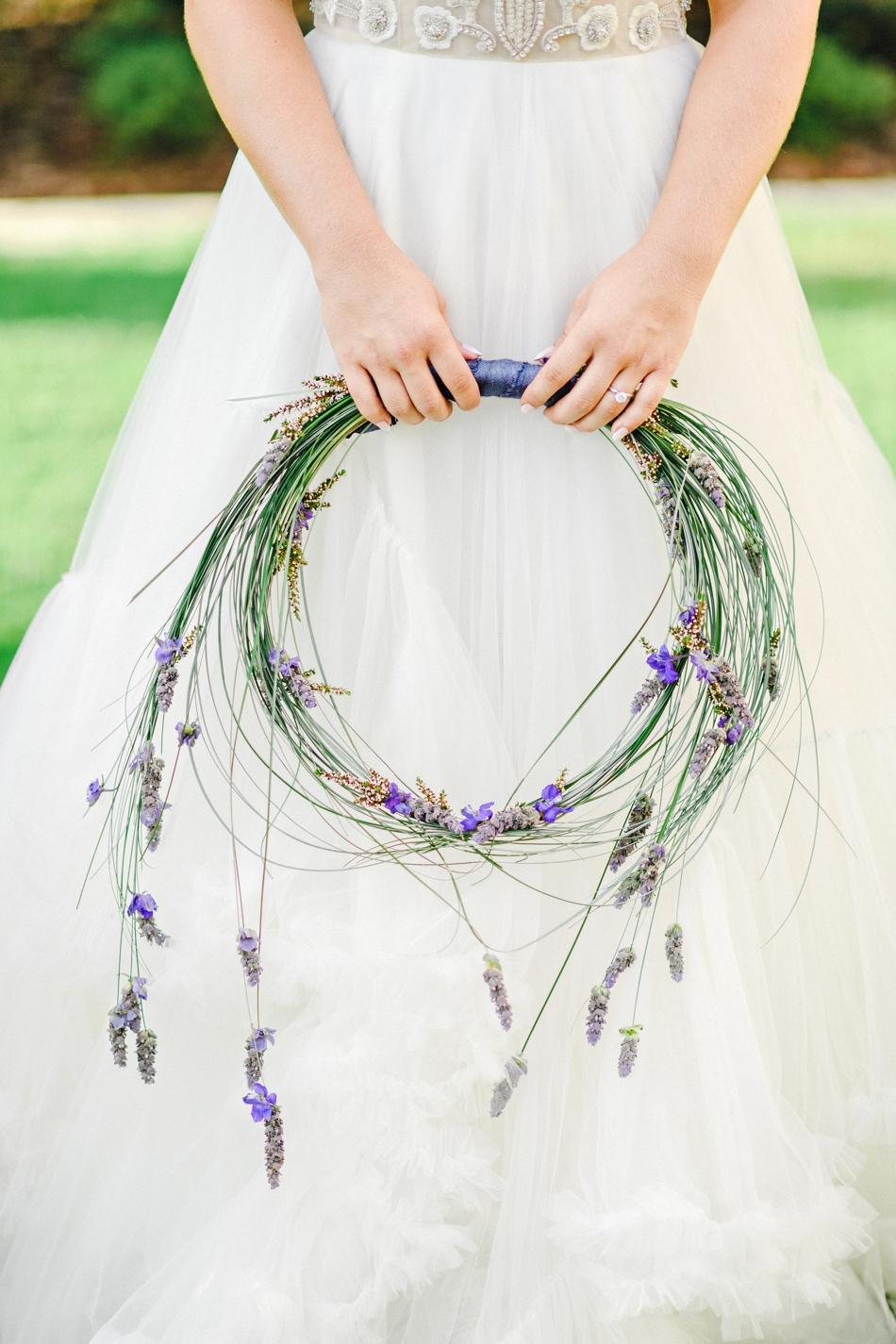 unique alternative to a wedding bouquet