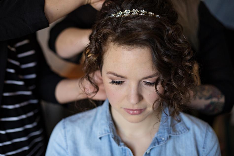 bride hair style with headband