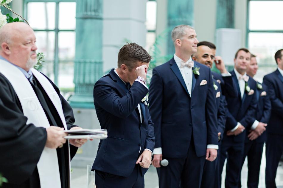 groom reaction