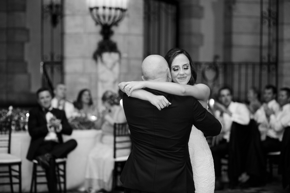 bride dance with her dad